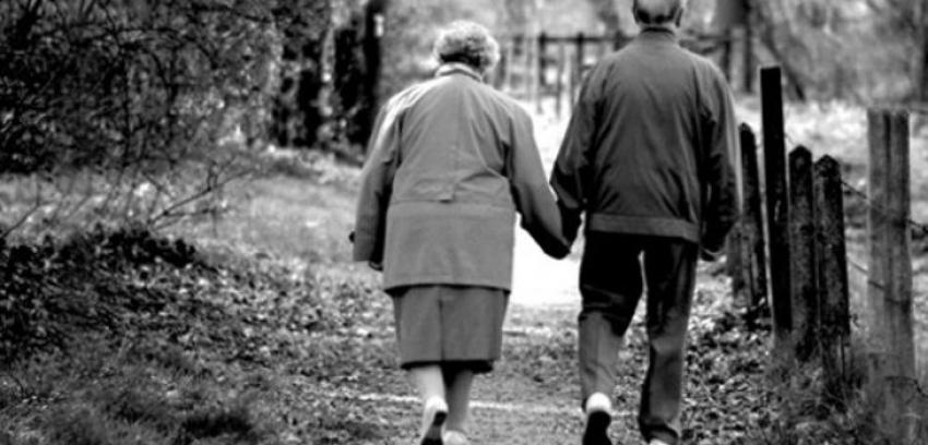 Dos abuelos enamorados